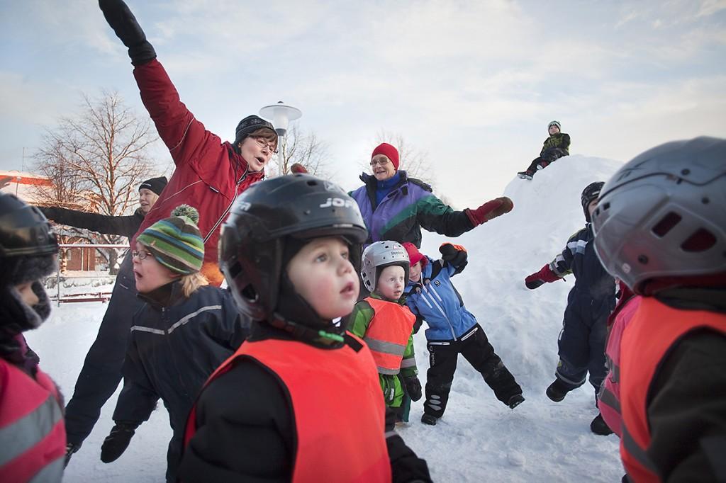 Förskolan Sanda i Umeå jobbar mycket med uteaktiviteter.
